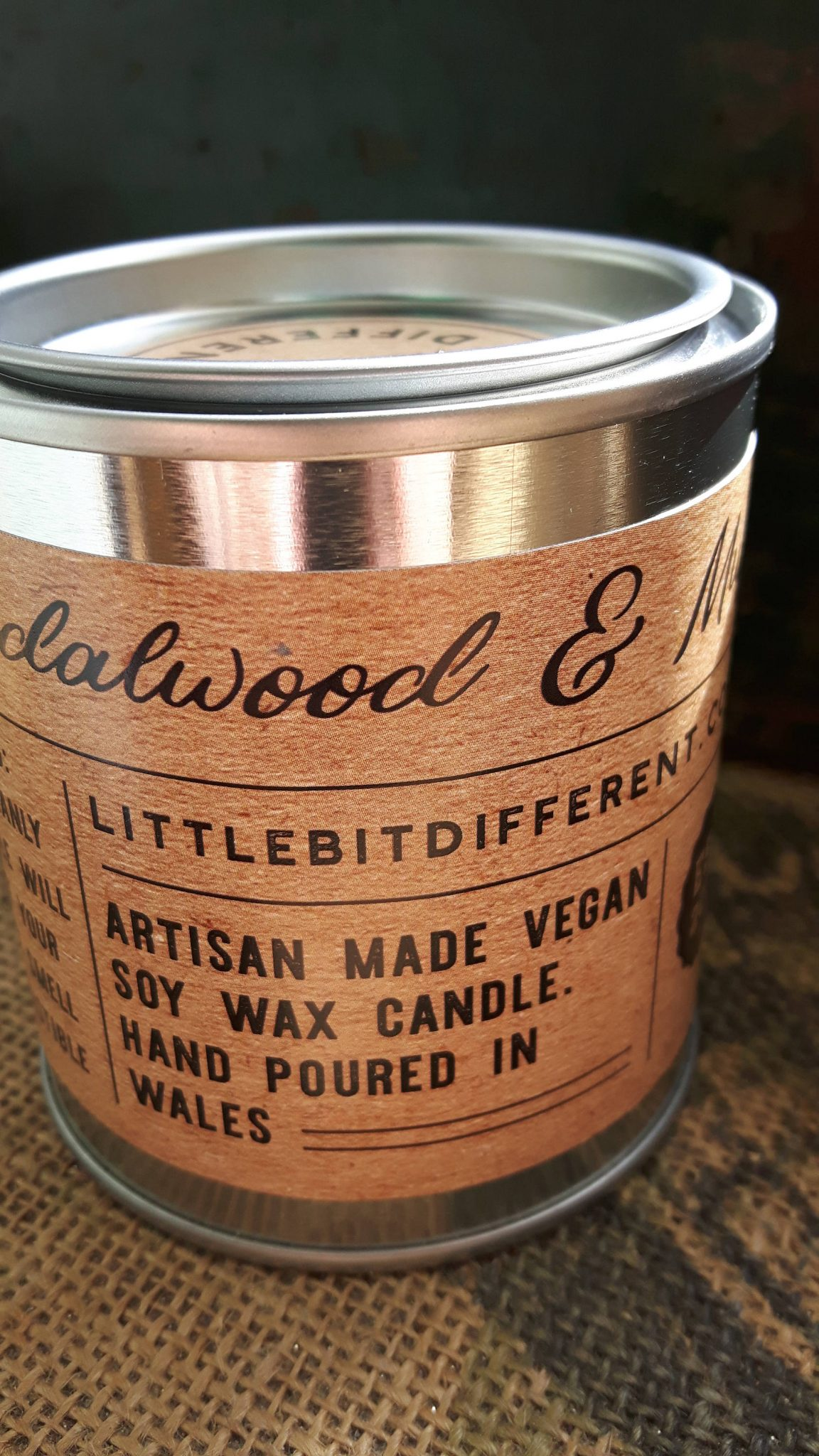 Sandalwood and musk scented man candle. Vegan candle ...