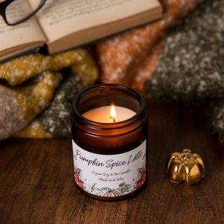 Are you ready?  It's definitely feeling chilly and crisp enough for #psl here this morning.  Shall I add them to the website this evening?  They sold out last year so be quick. #psl #pumpkinspicelatte #johnoliver #lastweektonight #starbucks #costa #autumnfeels #amberglass #autumncandles #candlesofinstagram #candlesfordesks #workfromhome