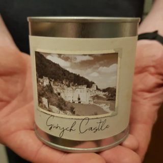 Our range of holiday memories candles are the perfect way to remind yourself of great times when you return home.  Only available for wholesale but we can use any scene or landmark and add the fragrance of your choice. #personalisedcandles #whitelabelcandles #whitelabelproducts #whitelabelpromo #welshcandles #veganfriendlycandles #littlebitdifferent #nontoxic #madeinwales #welsh #wholesalecandles #tourismgifts #souvenir #wholesalesouvenir