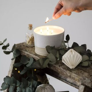Festive news coming up later today. Also shout out to the amazing @hollyboothstudio for the most wonderful Christmas collection of images.  #festivefragrance #welsh #shoplocal #wholesale #etsyuk #etsyswansea #welshcandles #welshgifts #soywax #veganfriendlycandles #littlebitdifferent #nontoxic #madeinwales #welsh #welshchristmas #christmascandles #christmasmelts #candlesofinstagram #candleaddict